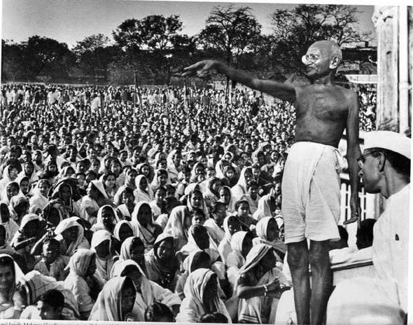1625966668_762_Essay-On-Mahatma-Gandhi-In-English-200-Words-For-Students