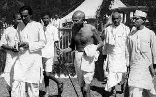 1625966677_322_Essay-On-Mahatma-Gandhi-For-Class-5th-Students-In-Easy