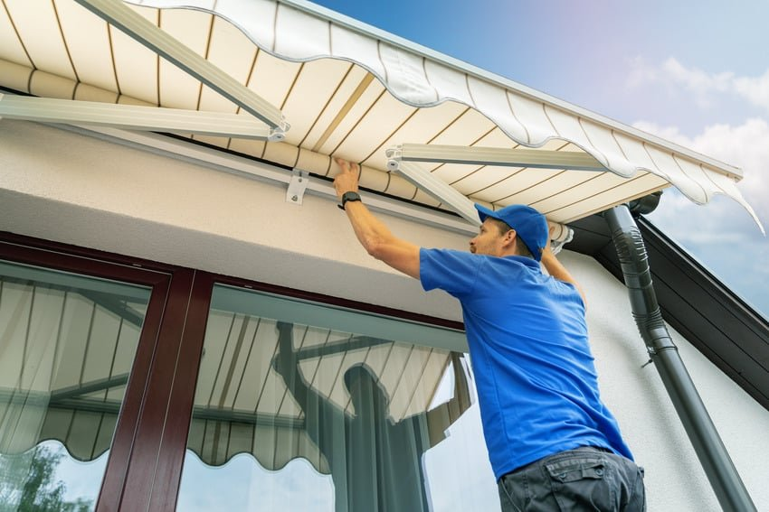 1627596075_188_Awning-vs-Pergola-Differences-Comparison-Guide
