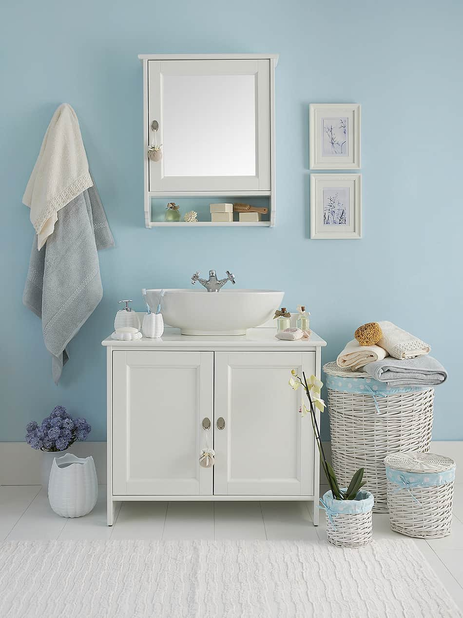 1628180656_867_10-Best-Paint-Color-for-Small-Bathroom-with-No-Windows