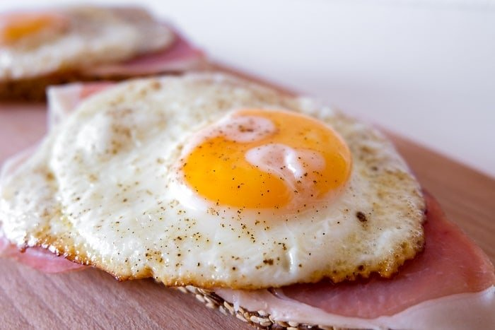 1629406808_485_Strammer-Max-German-Sandwich-with-Cured-Ham-and-Eggs