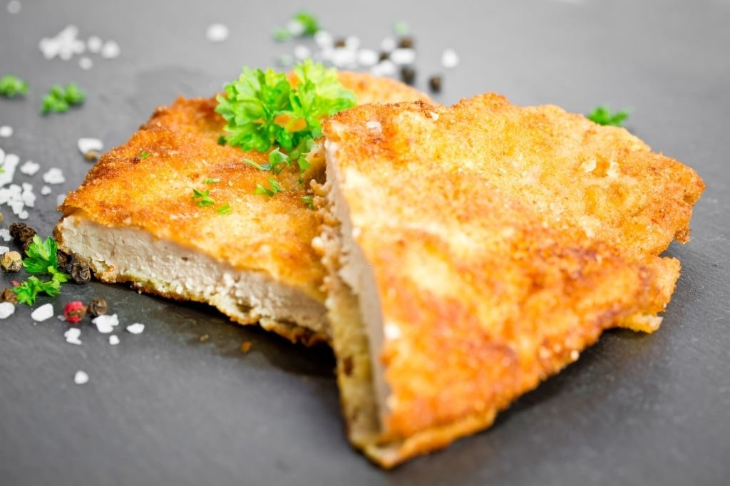 1629417814_906_Keto-Chicken-Cutlets-Low-Carb-Chicken-Cutlets-Parmesan-BakedFried