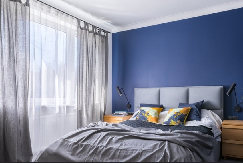 1629913520_375_What-Color-Curtains-Go-with-Blue-Walls