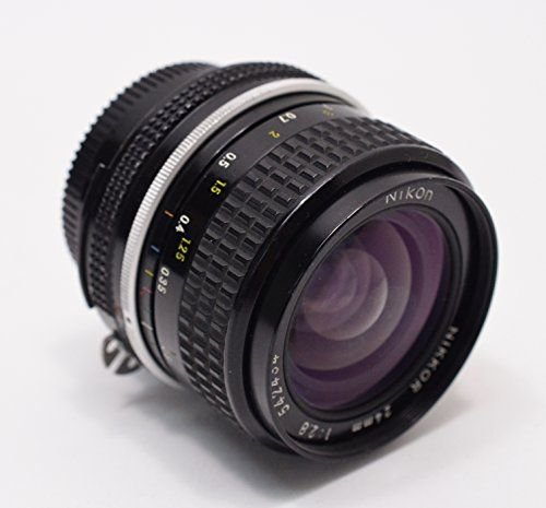 1631485182_828_The-ONE-Essential-DSLR-Lens-you-Need-for-YouTube-Vlogging