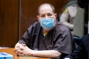 1632175931_710_Harvey-Weinstein-Pleads-Not-Guilty-To-Sexually-Assaulting-5-Women