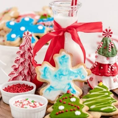 1632466193_841_CHRISTMAS-CUT-OUT-COOKIES