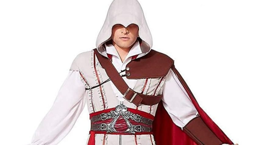 1632582453_784_Best-video-game-Halloween-costumes-2021-Among-Us-Legend
