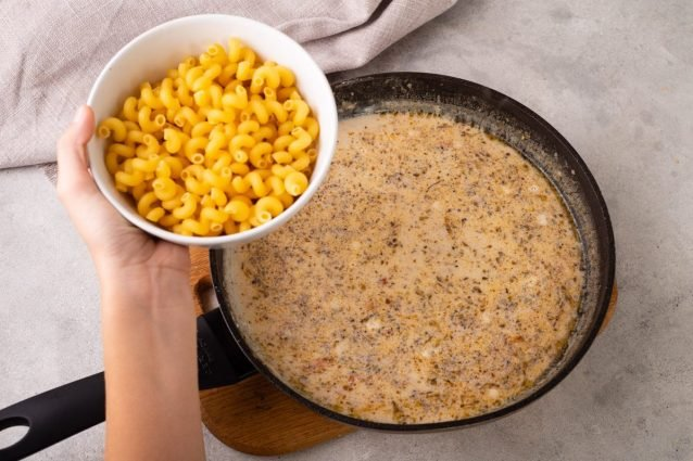 1633572520_732_Tuscan-Chicken-Mac-and-Cheese-Recipe