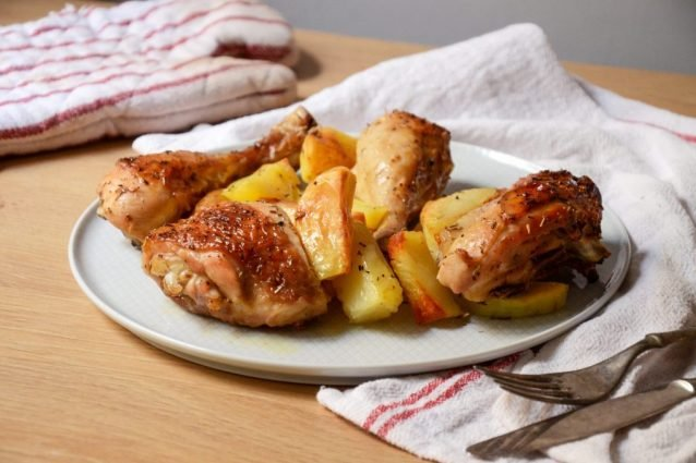 1633746103_21_Baked-Chicken-with-Potatoes-Recipe