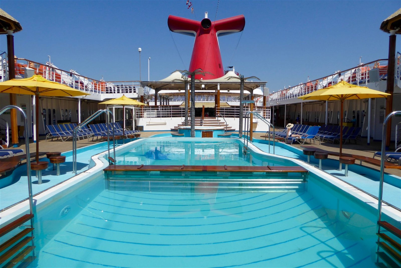 the lido pool on the carnival inspiration cruise ship